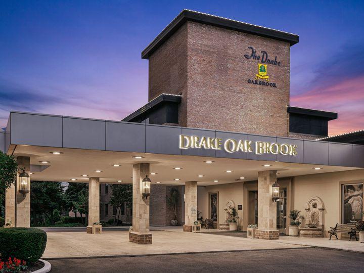 Tmx Au Chiao Exterior Dusk 51 770004 159959570697423 Oak Brook, IL wedding venue