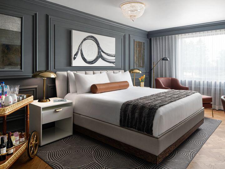 Tmx Au Chiao Premium King Bedroom 51 770004 159959573598559 Oak Brook, IL wedding venue