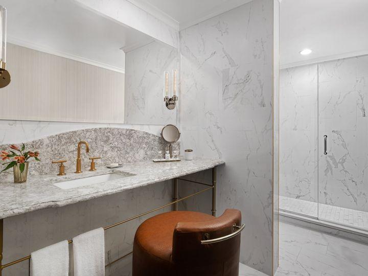 Tmx Au Chiao Premium King Suite Bathroom 51 770004 159959573235174 Oak Brook, IL wedding venue