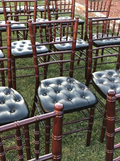 Mahogany Chiavari Chair with black tufted cushion