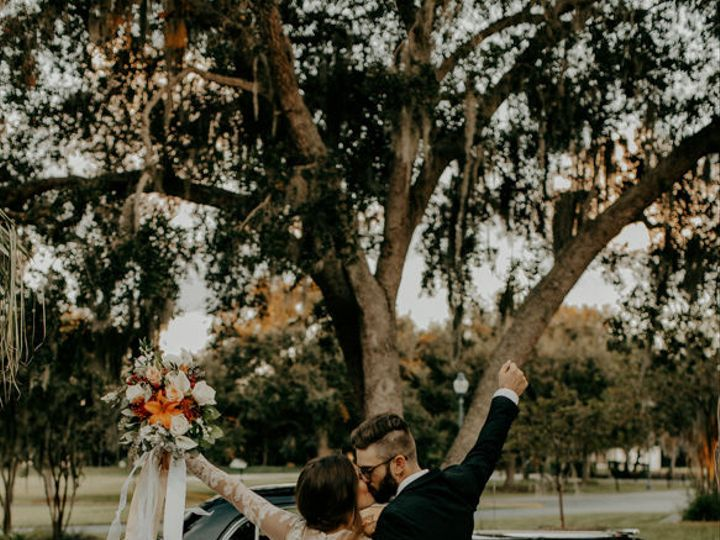 Tmx 1537552421 384a988a550ad7db 1537552420 2b1802f601728fff 1537552416349 3 Preview1 17  1  Sarasota, FL wedding transportation
