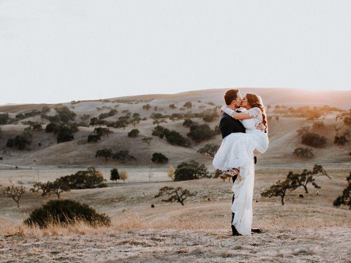 Tmx 1529457424 De0e0c4131b06e75 1529457418 8673bae95eb611c1 1529457402338 15 Joshua Web 17 Santa Barbara, California wedding photography