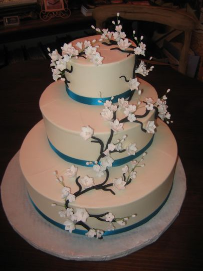 Snow tree wedding cake