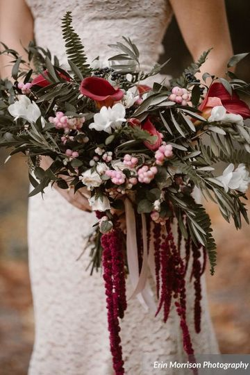 Red, white, and pink arrangement