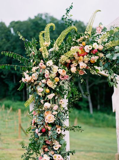 Floral arch decor | Finch Photo