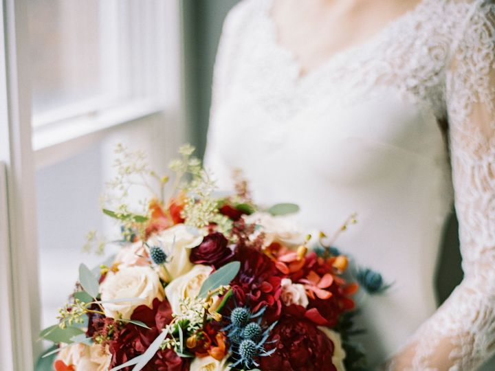 Tmx 1518565763 60df1811235185e2 1518565762 41f71927afeea239 1518565739022 2 7424 11 Knoxville, TN wedding florist