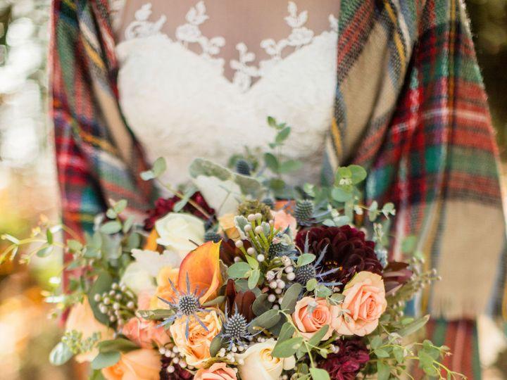 Tmx 1518565788 C4bcbb65533385e3 1518565787 57cb74a80c7637fb 1518565769631 3 CT2A5525 Knoxville, TN wedding florist