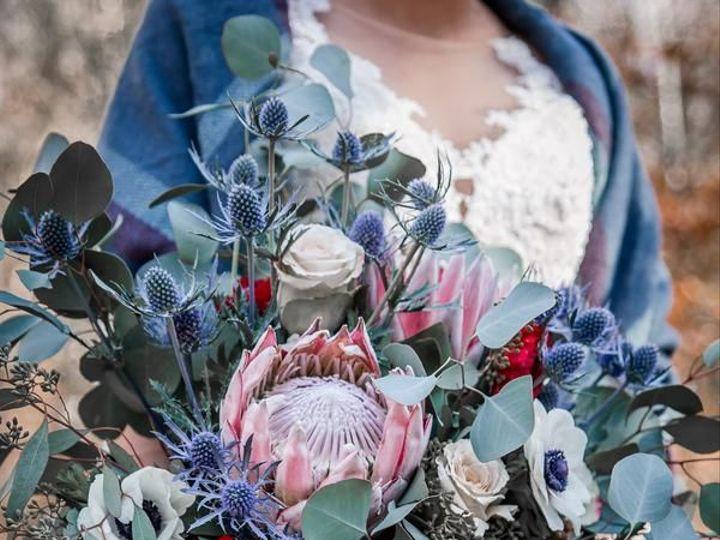 Tmx 1527011060 54e92c7a7c5e5042 1527011059 C0e8a8eb4eacaeee 1527011058719 1 StarNoirStudio 201 Knoxville, TN wedding florist