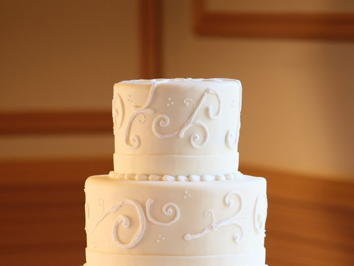 Tmx 1397247263489 Cake1 09 26 10 6.07.16 P Freehold wedding cake