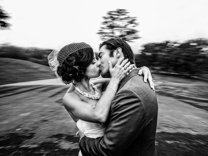 Tmx 1526531704 2e182433cbe89d98 1526531703 4daf6c69dce1bd93 1526531696645 1 TismanSLRApril1 Kingston wedding photography