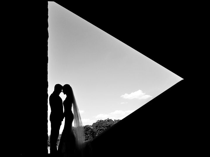 Tmx 1526531725 8b7b90234d99debb 1526531723 721682df1b2731bd 1526531721202 10 IGAbbySL137 Kingston wedding photography