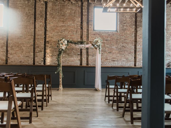 Tmx Rustic Alter At Mercantile Hall 51 946104 Burlington, Wisconsin wedding venue