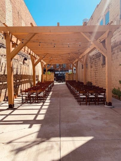 Ceremony Setup: The Urb Garden