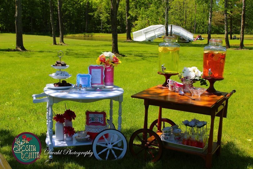 Sweets and beverage stations