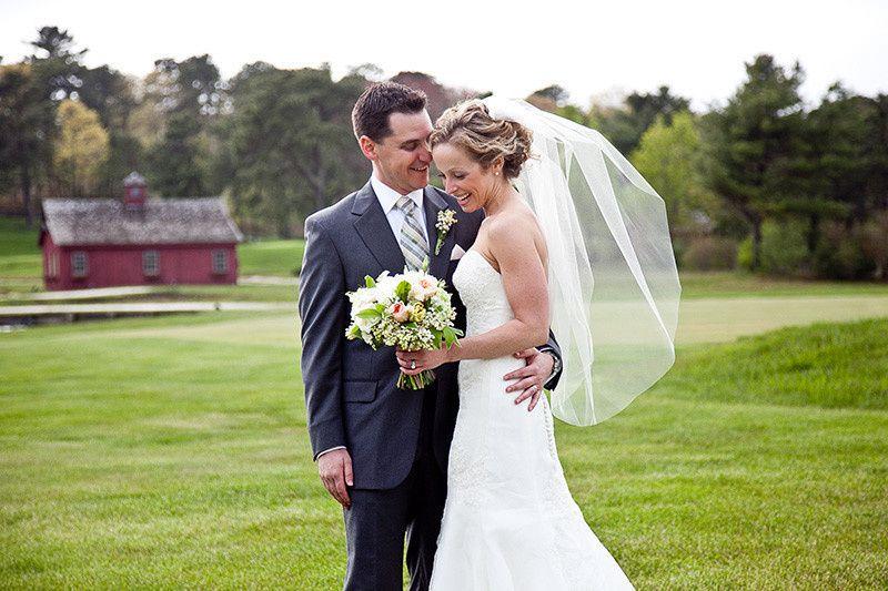 879f4121aa3498fc 1447699474633 wb bride groom barn