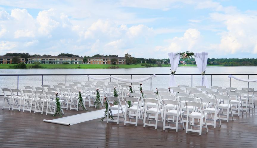 ceremony outside patio 51 1018204 160571311663334