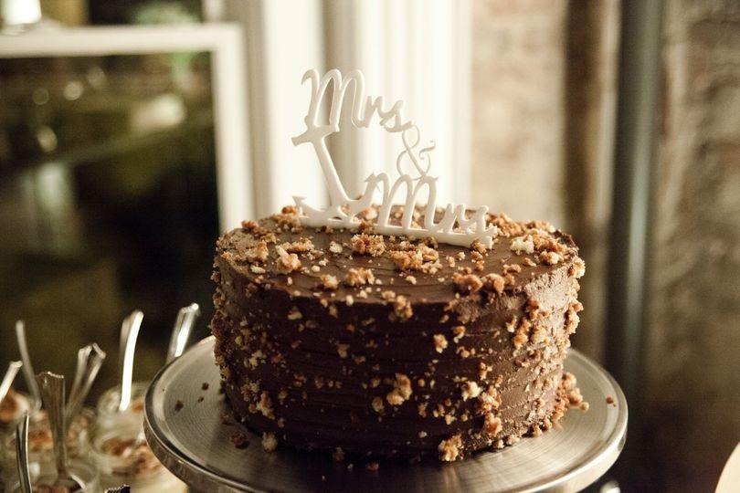 Smoked walnut chocolate cake