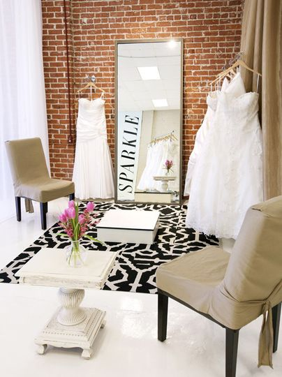 Comfy, spacious viewing areas to show off your SPARKLE gown!
