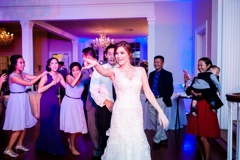 bride dance moves 3 51 652304 v1