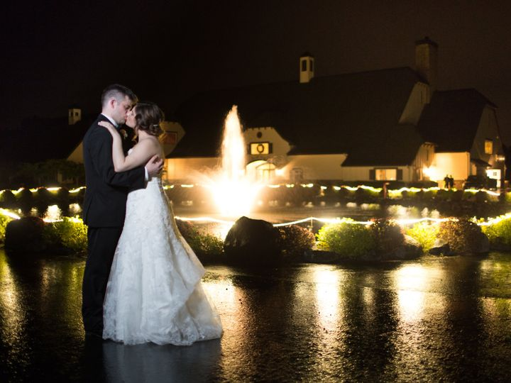Tmx Becerra Photography 260 51 94304 Salem, OR wedding venue