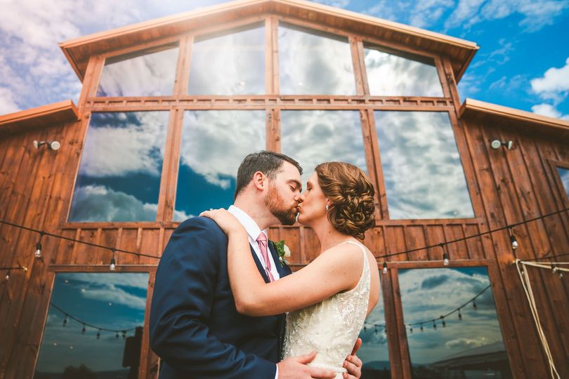 weddingwire images modern frames photography 1032 51 728304 1558540273