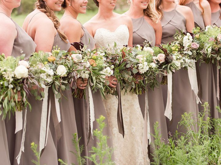 Tmx 1518723813 B640ff0e6f85f602 1518723777 7874537eb7874c1f 1518723771413 16 Kate Dylanwedding Billings wedding florist