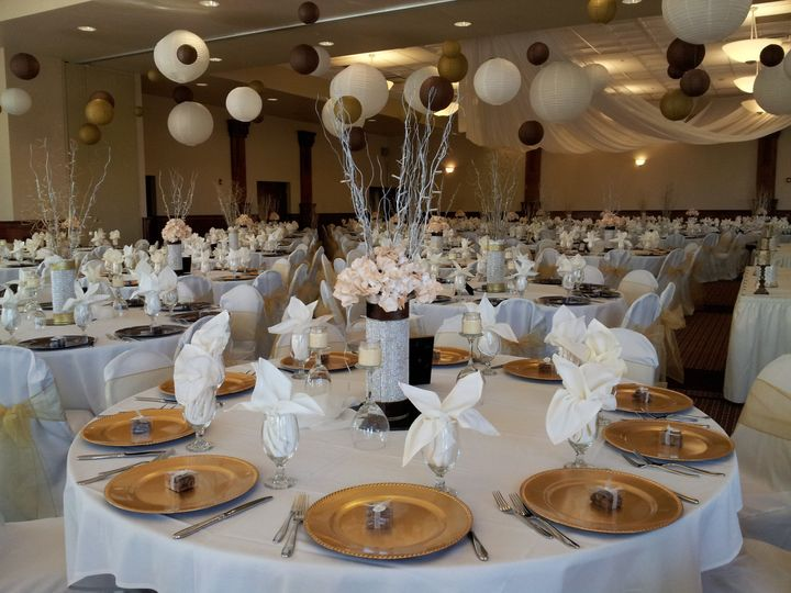Tmx 1417468496689 Forte Gold Brown1 Des Moines wedding catering