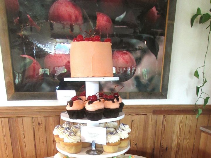 Tmx 1436999476362 Alysons Orchard 3 Lebanon wedding cake