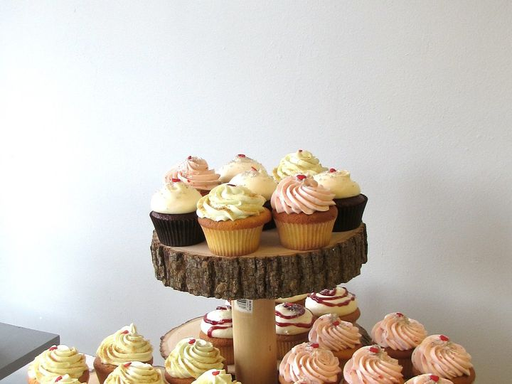 Tmx 1437001428210 Rustic Stand With Cupcakes Lebanon wedding cake