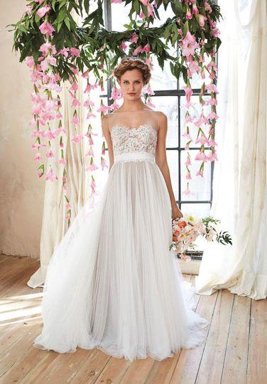 The white magnolia dress attire greenville sc for Wedding dress greenville sc