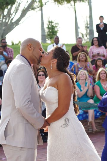 Kiss, first kiss, you may kiss the bride, husband and wife, married, outdoor wedding