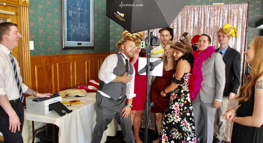 Guests having fun using the Photobooth at Valley Country Club (Sugarloaf, PA)