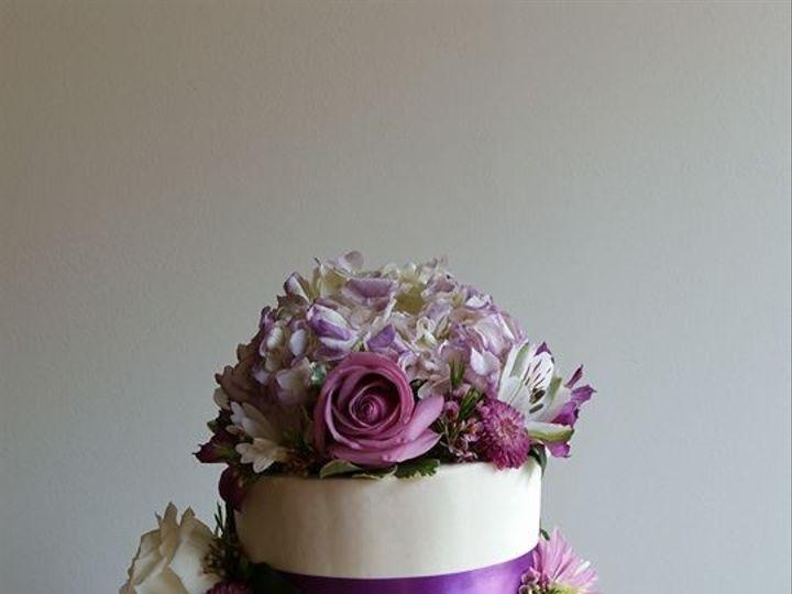 Tmx 14681725 378669519131526 2541723176534670049 N 51 977404 1570641754 Crawfordsville, Indiana wedding cake