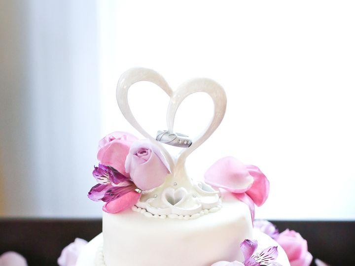Tmx 1498005446 B54f347aee869405 Doyleweddingcake Crawfordsville, Indiana wedding cake