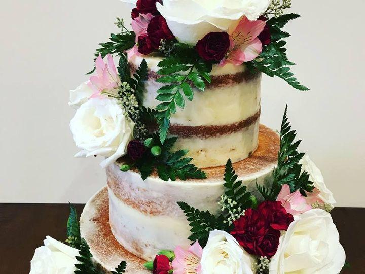 Tmx 40471664 762261087439032 4144670168221483008 N 51 977404 1570641707 Crawfordsville, Indiana wedding cake