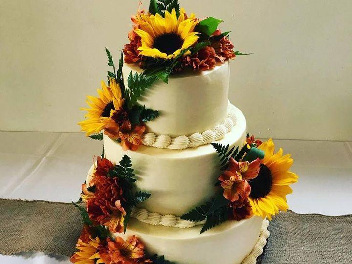 Tmx 44126479 786573551674452 9097111328476102656 N 51 977404 1570641754 Crawfordsville, Indiana wedding cake