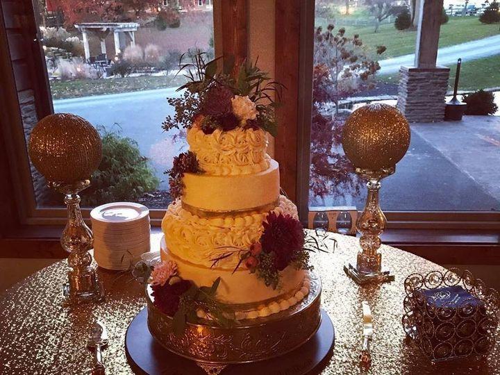 Tmx 45864740 801656200166187 9137550541511983104 N 51 977404 1570641754 Crawfordsville, Indiana wedding cake