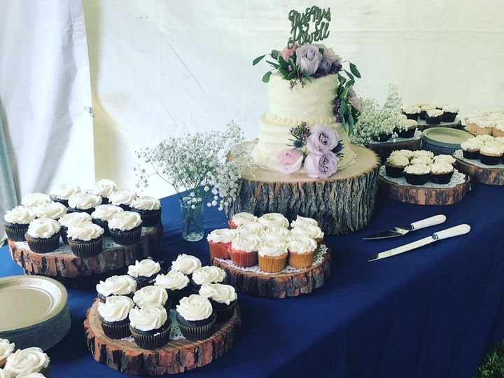 Tmx 64837235 949152788749860 2306935313886347264 N 51 977404 1570641761 Crawfordsville, Indiana wedding cake