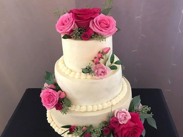 Tmx 69657116 1003732876625184 1697254973823254528 N 51 977404 1570641762 Crawfordsville, Indiana wedding cake