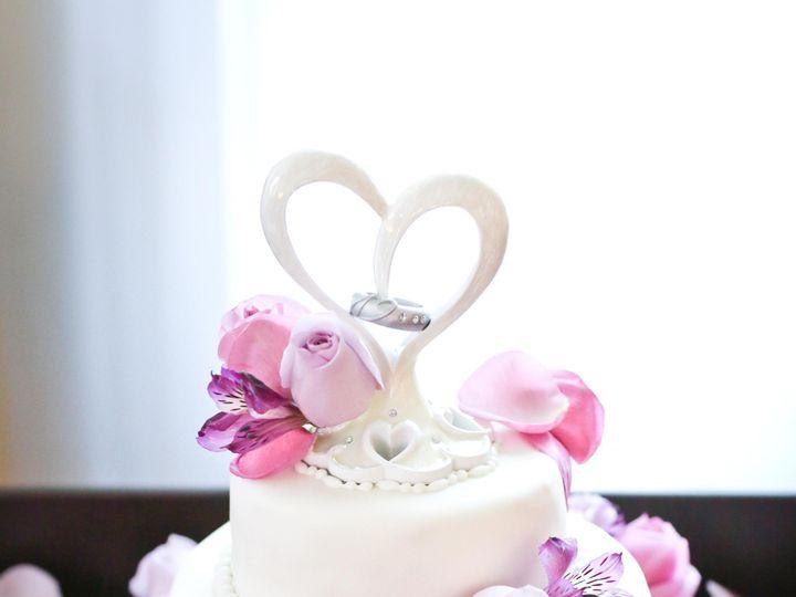 Tmx Cake2 51 977404 1570641720 Crawfordsville, Indiana wedding cake