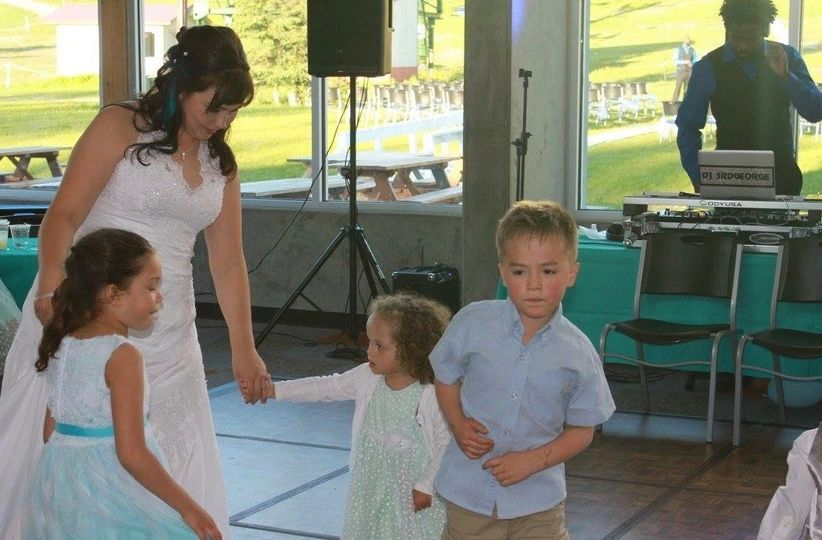 The bride with her kids