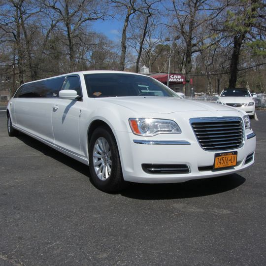 New chrysler 300 15 passenger