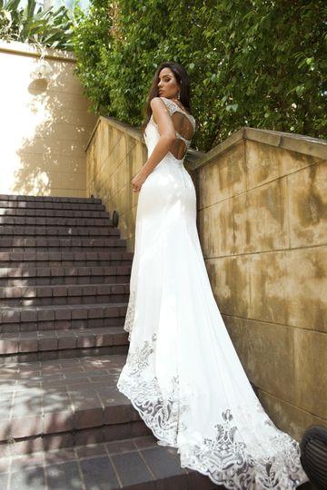 Luv bridal dress attire phoenix az weddingwire for Wedding dresses phoenix az