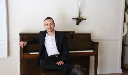 Kevin Laurence - Pianist, Vocalist, & Entertainer