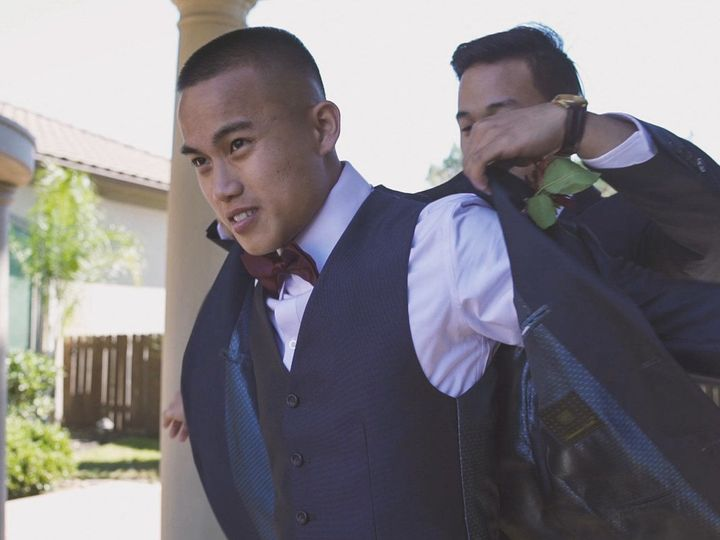 Tmx 1533353400 4287aeeff07da6a9 1533353398 80cefd1fd0c14e98 1533353398699 2 Jacket On 5 League City, TX wedding videography