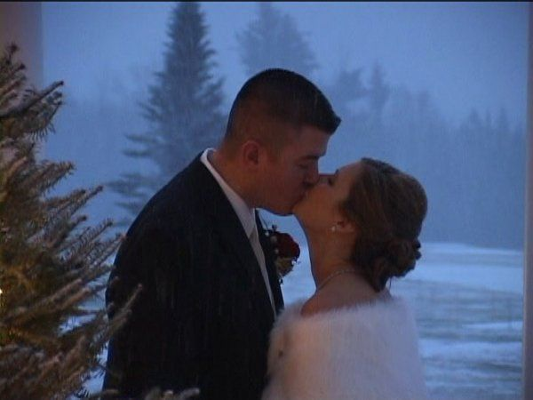 Kienan & Amy, winter wedding