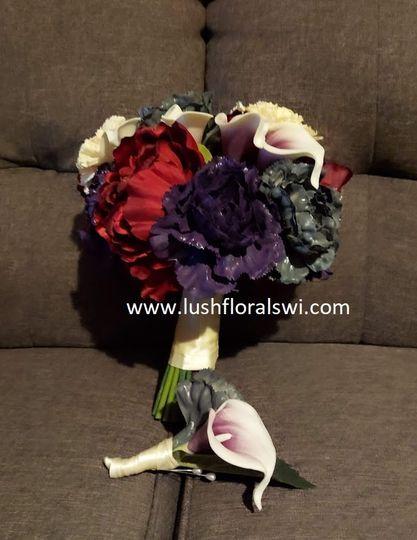 Lush Florals WI