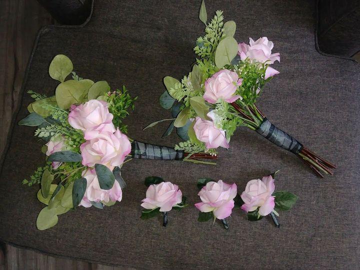Tmx 1533674956 4b04adaa7f1ec991 1533674954 6fd09cc9deb249e4 1533674942821 3 Pink W. Greenery Kenosha, WI wedding florist