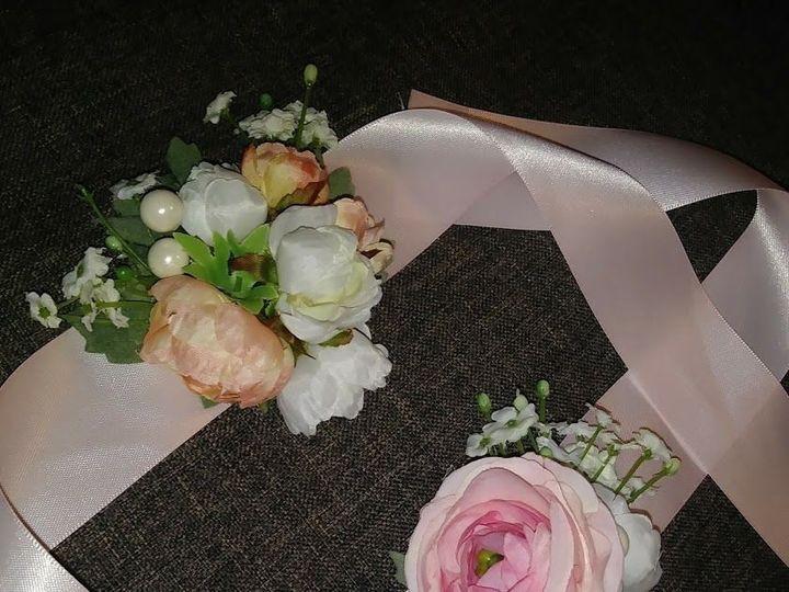 Tmx 1533674956 De5f75069b315bb8 1533674955 4855c50d4f668282 1533674942853 10 Peach Corsages 2 Kenosha, WI wedding florist