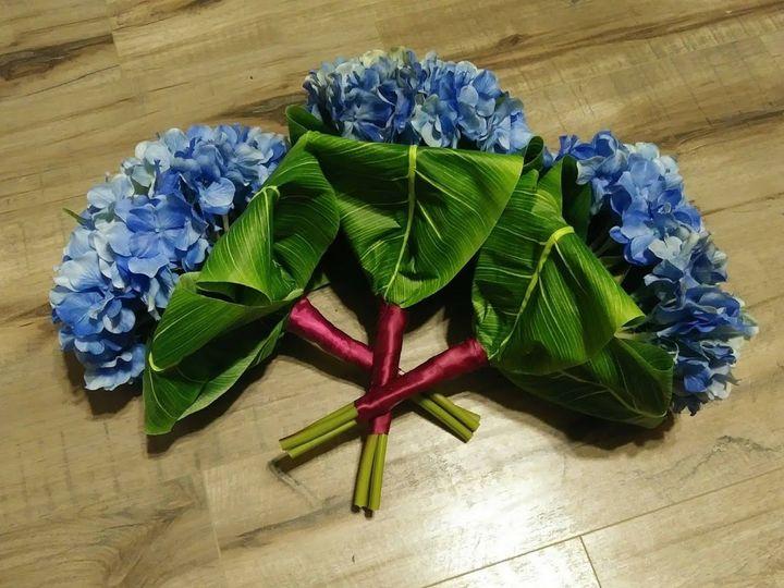 Tmx 1536956557 Fd93974aea0dbd74 1536956556 E408d6a0ec6fad92 1536956556086 3 Hydrangea And Bana Kenosha, WI wedding florist